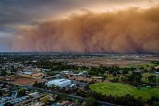 Bão bụi như trong 'phim tận thế' khiến một thành phố của nước Úc chìm trong bóng tối