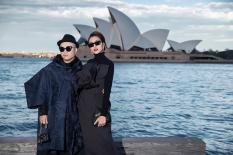 Tăng Thanh Hà thời thượng, sang trọng với sắc đen dự show Đỗ Mạnh Cường tại Sydney