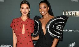 Minh tinh Gabrielle Union trong trang phục Công Trí đọ sắc cùng Jessica Alba