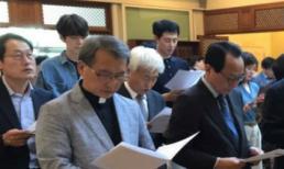 Trải qua nhiều tháng vật lộn với ung thư, Kim Woo Bin đã trở về với hình ảnh điển trai ngày nào