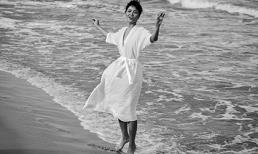 H'Hen Niê thả hồn giữa biển khơi đón nắng biển trong lành