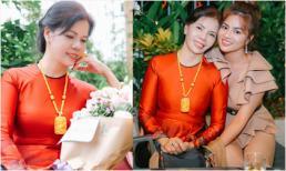 Bất ngờ trước nhan sắc trẻ trung của bà ngoại tuổi 60 - mẹ ruột Vũ Thu Phương
