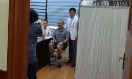 HLV Park Hang-seo phải vào viện kiểm tra sức khoẻ nhưng vẫn 'ghi điểm' chỉ nhờ hành động nhỏ này