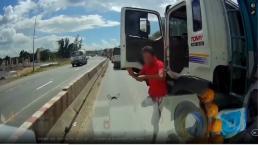 Mâu thuẫn khi tham gia giao thông, tài xế xe ben cầm cờ lê đập vỡ kính ô tô tải