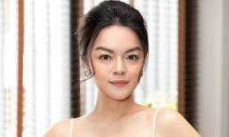 Sau ly hôn, Phạm Quỳnh Anh chứng tỏ đẳng cấp nhan sắc nữ thần với đầm dây khoe vòng một căng đầy