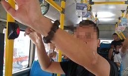 Kẻ bệnh hoạn ngang nhiên thủ dâm cạnh nữ sinh cấp 2 trên xe buýt ở Hà Nội