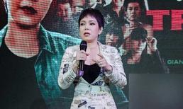Danh hài Việt Hương gây sốc với tóc bạch kim, dáng đứng hiên ngang như đàn ông