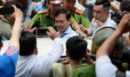 'Con ông Nguyễn Hữu Linh phải tạm nghỉ học vì việc của cha'