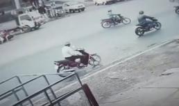 Vượt đèn đỏ gây tai nạn kinh hoàng, tài xế xe máy khiến bé gái đi cùng nguy kịch