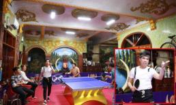 'Ông hoàng nhạc sến' Ngọc Sơn chơi trội, biến phòng khách biệt thự trăm tỷ thành sàn đấu bóng bàn