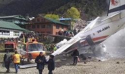 Khoảnh khắc máy bay du lịch và trực thăng đâm nhau khiến 7 người chết