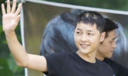 Sự thật về hình ảnh Song Joong Ki hói đầu xuất hiện trên mạng