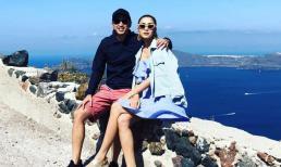 Có đôi vợ chồng nào như Louis Nguyễn và Hà Tăng, 10 năm vẫn tình tứ khoác vai trên đảo thiên thần Santorini