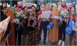 Quán quân Giọng hát Việt 2019 được người dân ra tận sân bay đón tiếp nhiệt tình chẳng kém sao Hàn