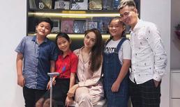Hương Giang gãy chân nằm nhà vẫn được bạn bè và Dương Cầm cùng 'gia đình hoàng gia The Voice Kids' tới thăm