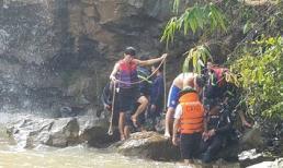 Ba người mất tích khi tắm thác ở Gia Lai vẫn chưa được tìm thấy