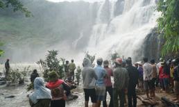 Vừa tìm được 3 thi thể thanh niên bị nước cuốn mất tích khi tắm thác