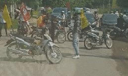 Lại xuất hiện đoàn phượt thủ ngang nhiên chặn đường để cả nhóm di chuyển gây bức xúc