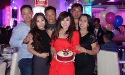 Định không tổ chức rình rang nhưng ca sĩ Trizzie Phương Trinh vẫn được bạn bè mừng sinh nhật sớm