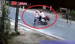 Kẻ biến thái chặn xe, sàm sỡ thiếu nữ ngay giữa ban ngày rồi đứng lại dò xét