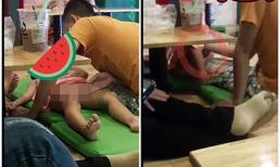 Hành động của thiếu niên đối với bé gái 2 tuổi ở quán trà sữa khiến người lớn rùng mình