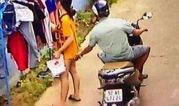 Kẻ biến thái phóng xe máy sàm sỡ cô gái đang phơi đồ giữa ban ngày bị xử phạt 200 ngàn