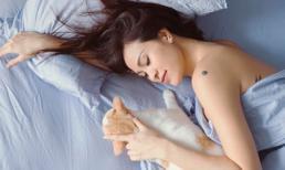 Phương Mai bất ngờ khoe ảnh 'giường chiếu' sexy hết nấc, siêu nhất là chẳng thấy bụng bầu đâu