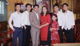 Đăng ảnh 4 cậu con trai 'đẹp như tranh vẽ' nhưng vẫn ế lên mạng, bà mẹ Nghệ An được nhiều cô gái xin làm con dâu
