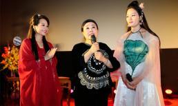 NSND Thu Hiền tới chúc mừng học trò - Quán quân Sao Mai 2013 Huyền Trang