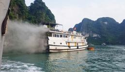 Tàu du lịch Hạ Long bốc cháy trên biển, du khách may mắn thoát nạn