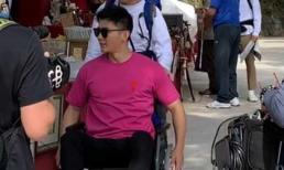 Lý Thần dính chấn thương, phải ngồi xe lăn khi ghi hình show thực tế ở nước ngoài