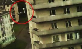 Cận cảnh tên trộm trượt đường dây điện ngã từ độ cao 30m