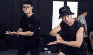 Ngô Kiến Huy diện áo ba lỗ, miệt mài tập vũ đạo cùng Lâm Vinh Hải cho ngày 'tái xuất'