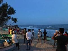 Từ Sài Gòn lên Bình Thuận tắm biển, 4 sinh viên bị sóng cuốn mất tích