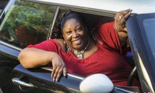 30 năm không thi được bằng lái xe vì... quá béo