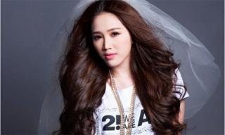 Sao Việt quyến rũ hơn với tóc xoăn ngôi giữa