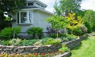 Cách sử dụng đá xanh làm đẹp cho khu vườn