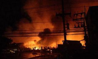 Cháy lớn ở sân gôn, gần trăm xe điện bị thiêu rụi