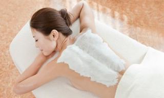 Tự chế muối tắm tại nhà để trắng da siêu nhanh
