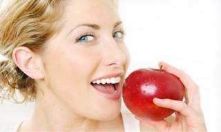 Những mẹo đơn giản giúp hàm răng trắng sáng hơn tại nhà