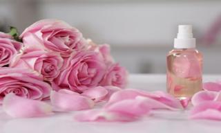 Nước hoa hồng và những công dụng tuyệt vời
