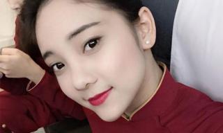 Ngắm nữ tiếp viên hàng không Việt Nam trong đồng phục áo dài đỏ