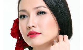 Cận cảnh nhan sắc đượm buồn của Kim Hiền