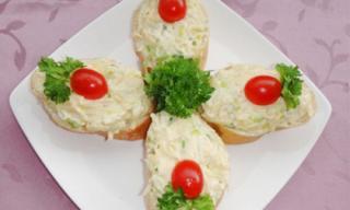 Lạ miệng với salad tỏi tây