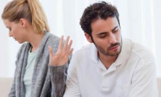 Vợ dược sĩ ân cần đón 'bồ' của chồng về nhà chăm sóc