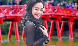 Á hậu Quỳnh Mai dạo phố thủ đô trong tà áo dài Đức Hùng