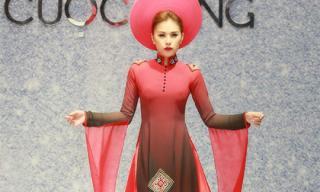 Miss Bikini Kim Yến tự tin diện áo dài kheo eo thon