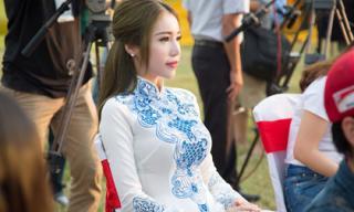 Elly Trần hút ánh nhìn với áo dài giữa Kinh Thành Huế