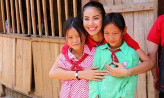 Hoa hậu Phạm Hương rũ bỏ hàng hiệu để về vùng cao làm từ thiện