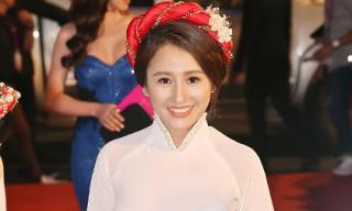 Hoa hậu thân thiện Viên Hoàng Thu nổi bật với áo dài sen trắng trên thảm đỏ HHVN